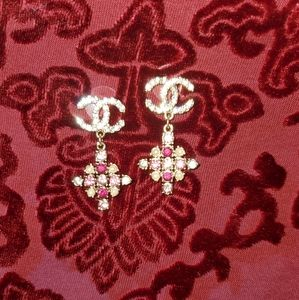 CHANEL GOLD TONE PINK CRYSTAL DROP EARRINGS